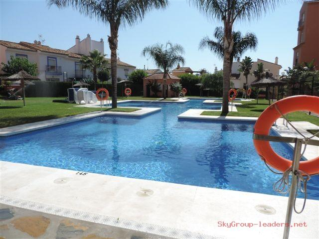 Apartment for rent in La Duquesa, 700 €/month