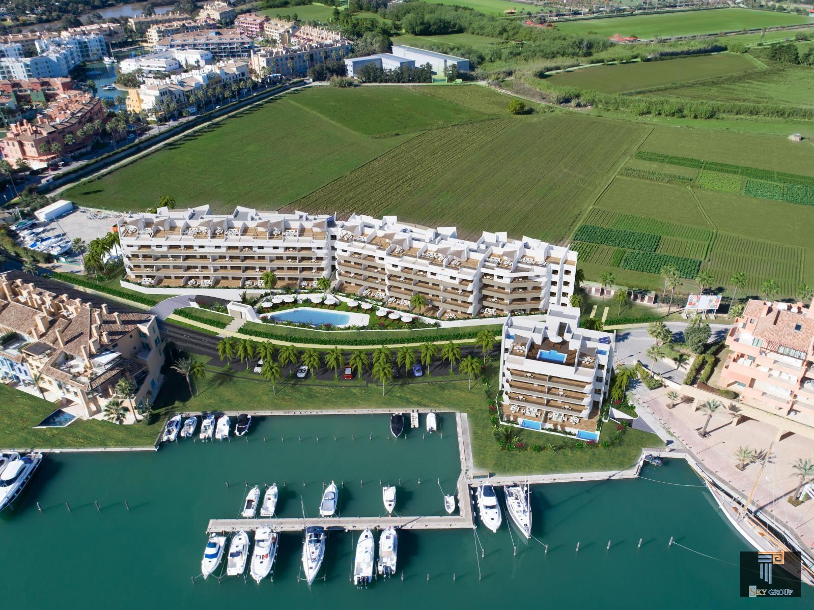 Luxury Apartment for sale in La Marina (Sotogrande), 375.000 €