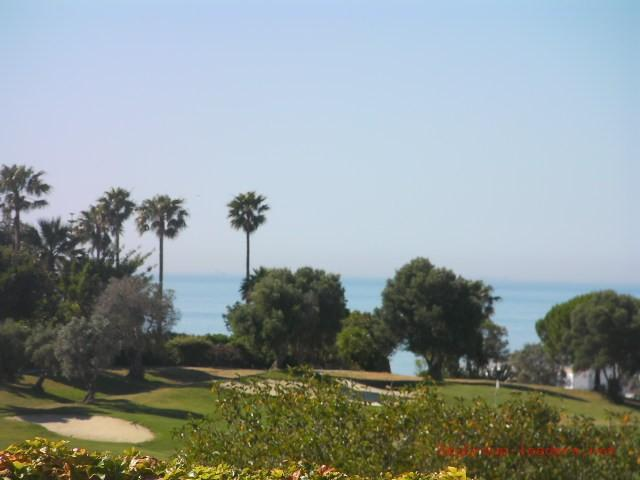 Luxury Villa for sale in Duquesa Golf (La Duquesa), 800.000 €