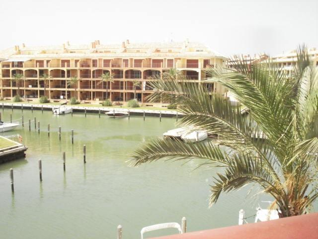 Luxury Apartment for sale in La Marina (Sotogrande), 295.000 €